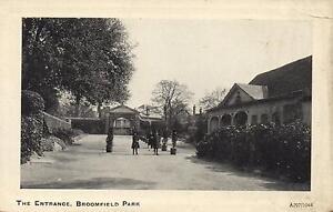 1910-039-s-VINTAGE-REAL-PHOTO-POSTCARD-THE-ENTRANCE-BROOMFIELD-PARK-LONDON-PC