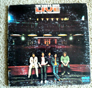 THE-GUESS-WHO-LIVE-AT-THE-PARAMOUNT-ALBUM-12-034-LP-RCA-VICTO-RECORDS-1972-LSP-4779