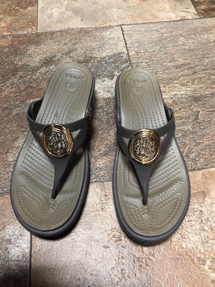 CROCS Sandals EUC Size 6 Brown  EUC Sandals 6dfb3f