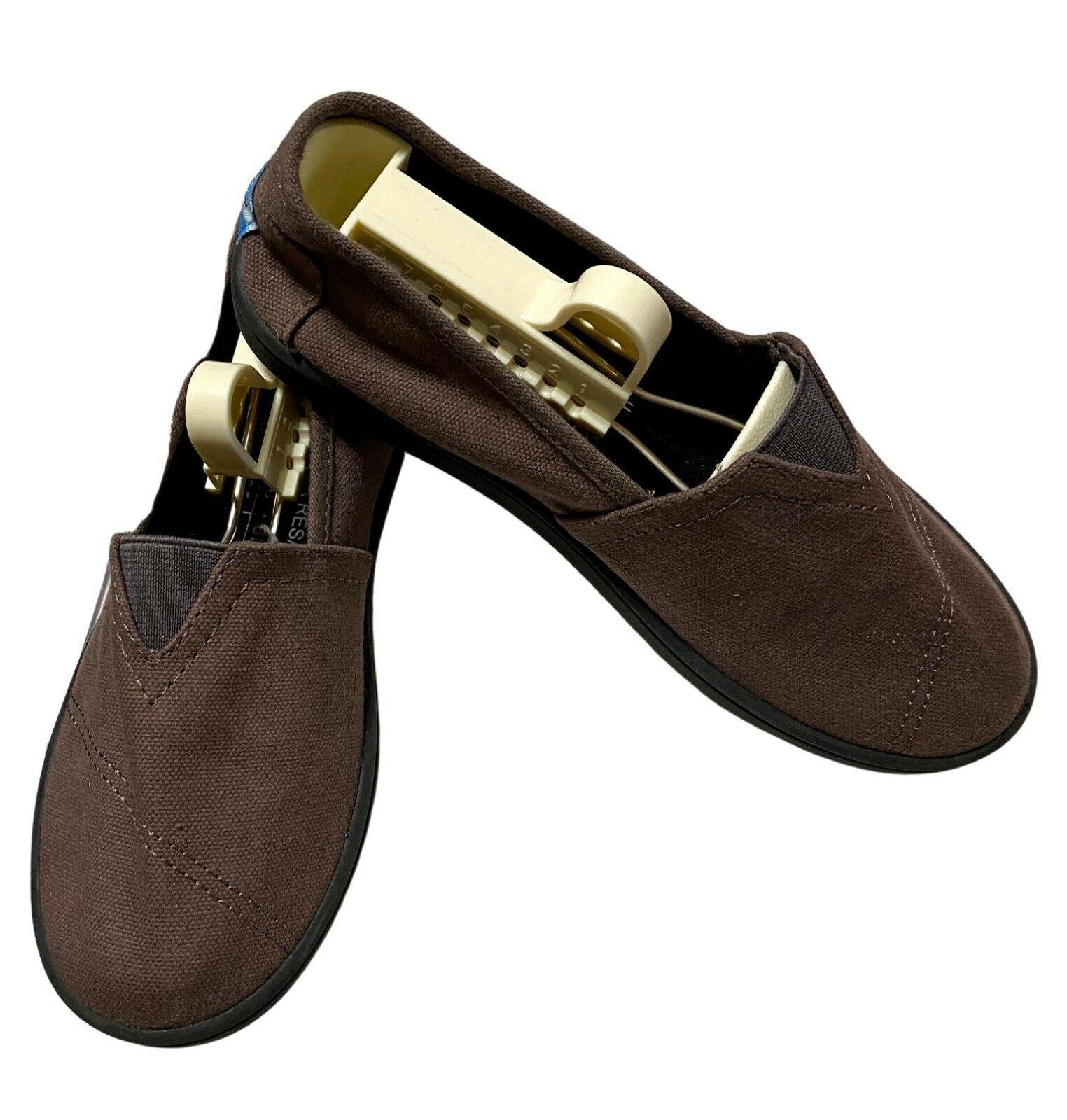 NWOT Unisex Women's/Kid's Toms Slip On Shoes Size 5