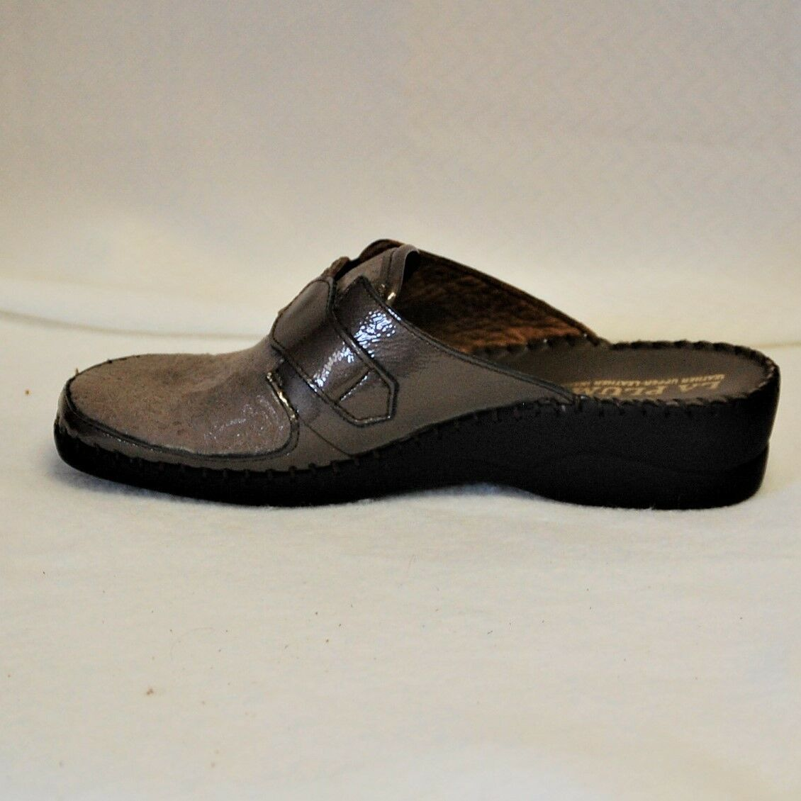 La Plume Garden Taupe Patent Leather and embossed suede slip slip slip on Eur 37 d0d195