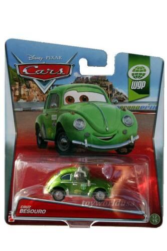 2015 Disney Pixar Cars WGP #12 Cruz Besouro VW Beetle