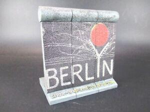 Berlin-Mauer-Wall-Modell-Souvenir-Germany-Berlyn-East-Side-Gallery