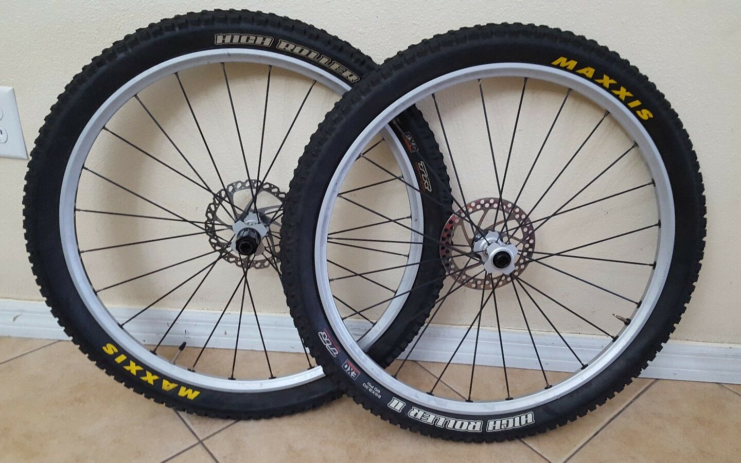 Front & Rear DT Swiss Tricon Rims MAXXIS High Roller ll  2 Bike Bicycle Wheels