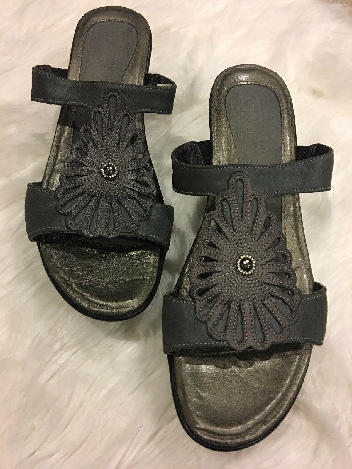 Naot Ladies Grey Sandals Size 39