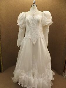 Lovely Vtg Southern Belle Frilly Beaded Lace White Wedding Gown 16
