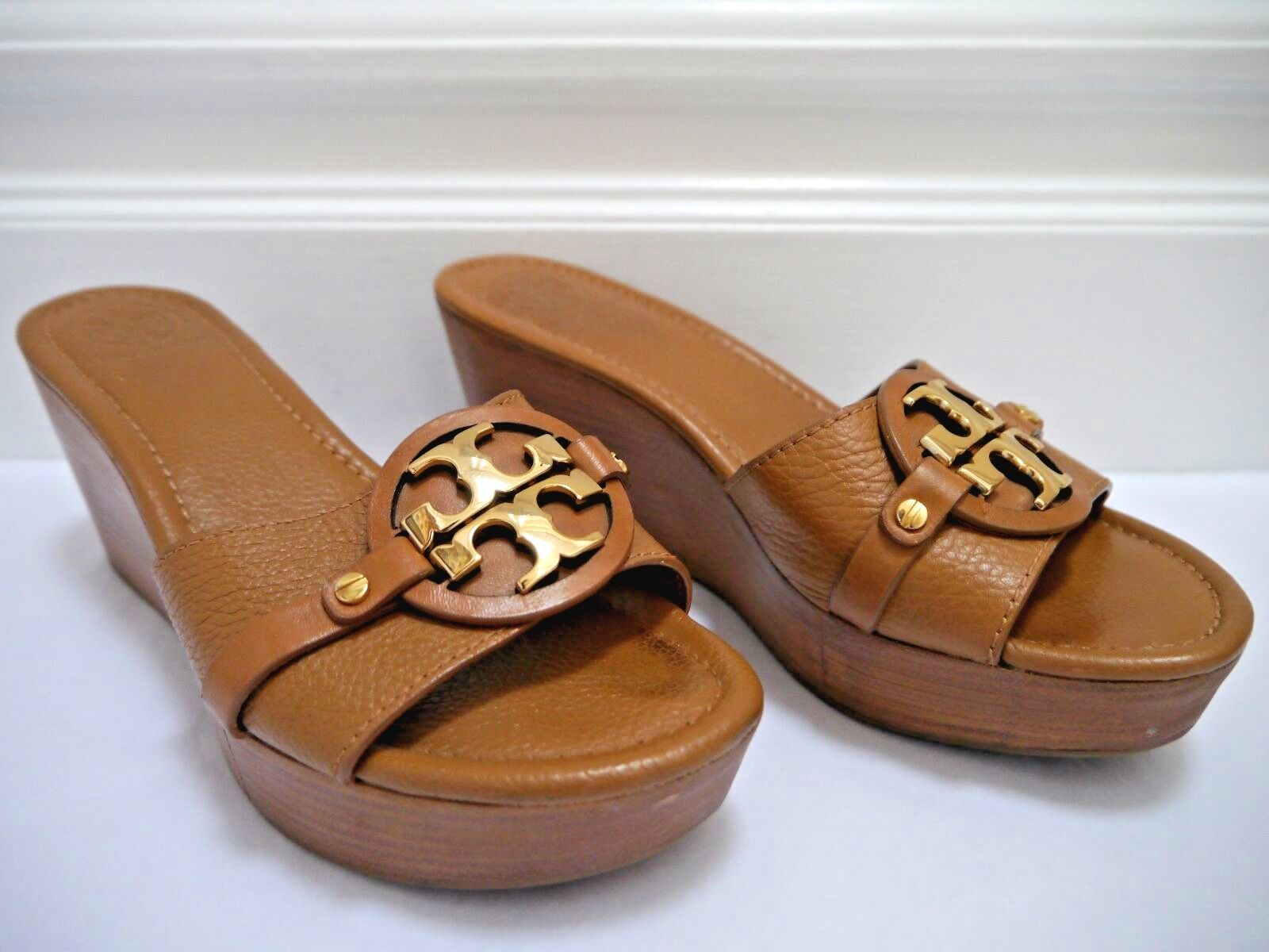 TORY BURCH Patti light Braun leather gold 8.5 logo wedge sandals size 8.5 gold 76c4df