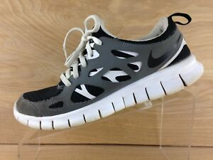 e8d8edcd4bd Nike Free Run 2 Mens Gray Black White Running Shoe Size 7Y