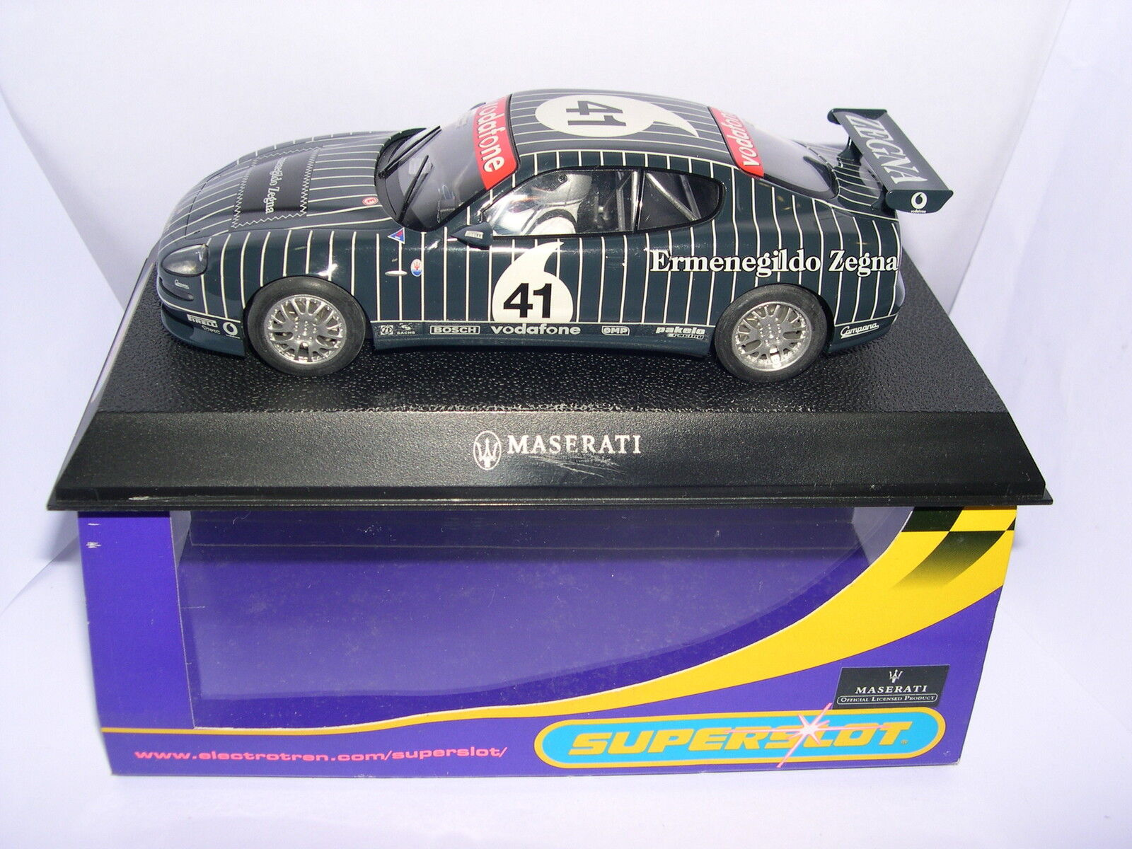 Superslot H2505 Maserati Coupe Comicorsa Trophy 2003 Zegna Scalcextric UK MB