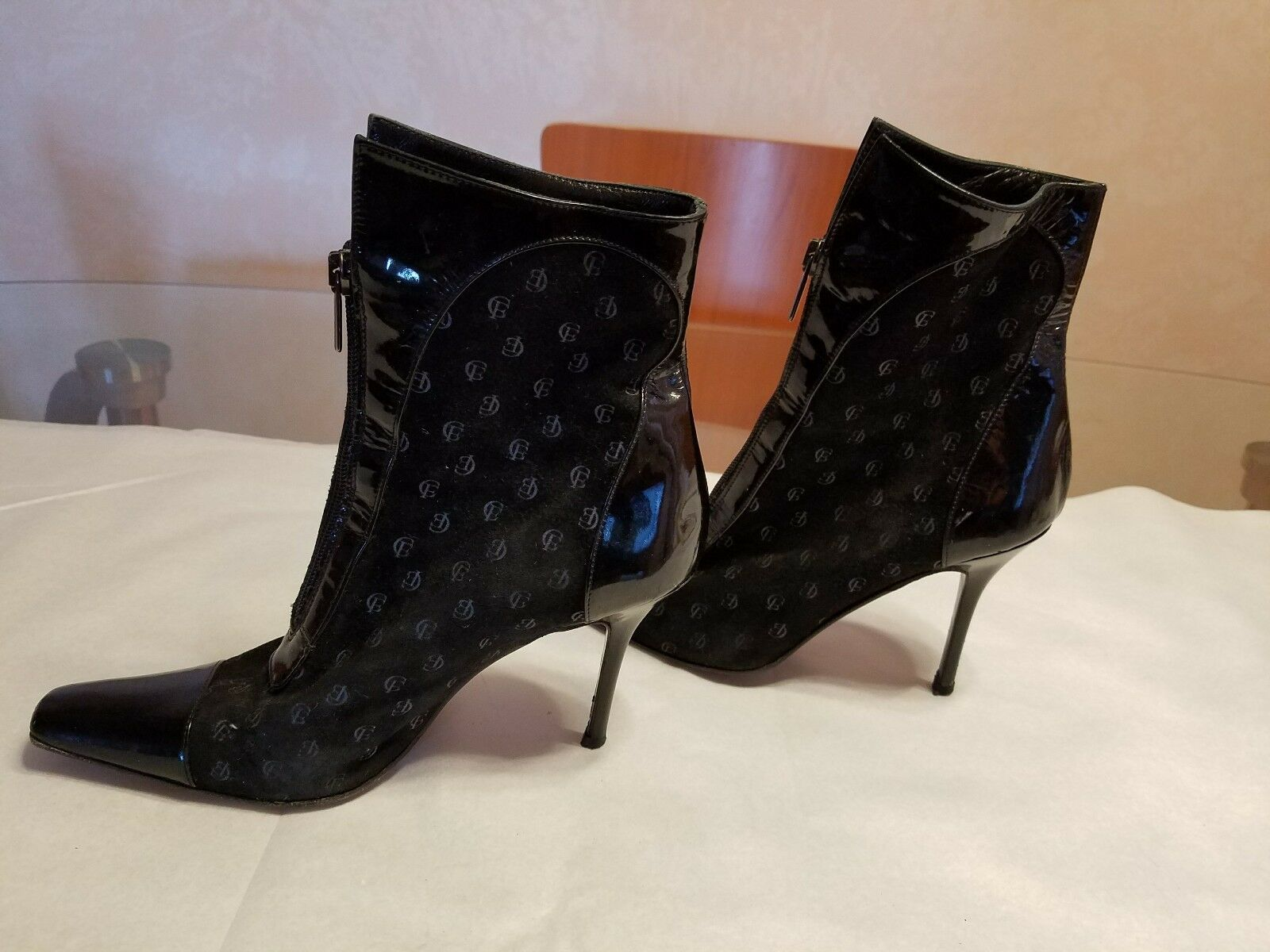 Claudio Fracassa    Black Patent leather and Suede Booties. Italy 18bd56