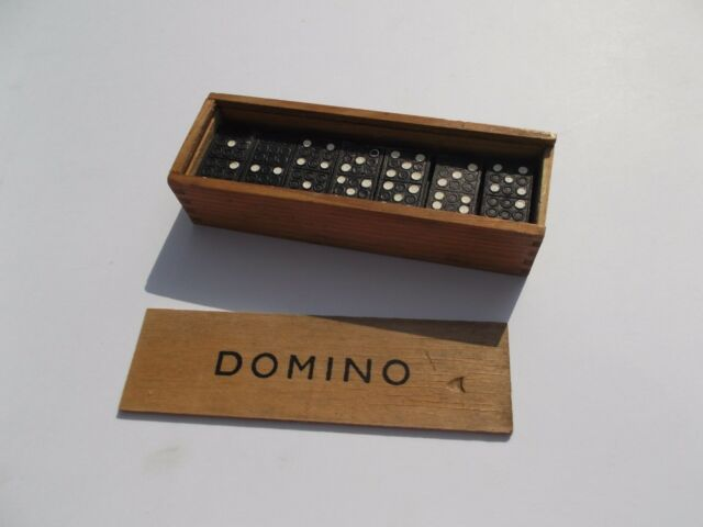 Domino Set Dominoes Set in a Wooden Box - Fun Traditional Toy / Game