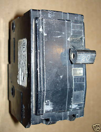 Square D Circuit Breaker QO220 20AMP 20AMP 2POLE Used circuit breaker