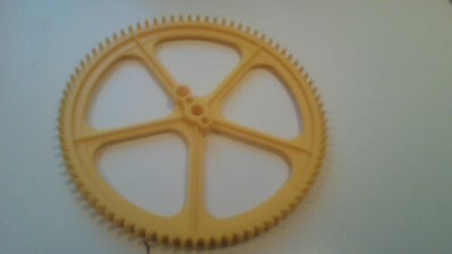 Kinex K nex Large Yellow Cogs Wheels Parts Spare Pieces