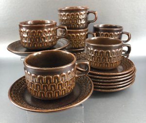Set-Of-4-Wedgwood-Mid-Century-Stoneware-Cups-and-Saucers-Brown-Pennine-England