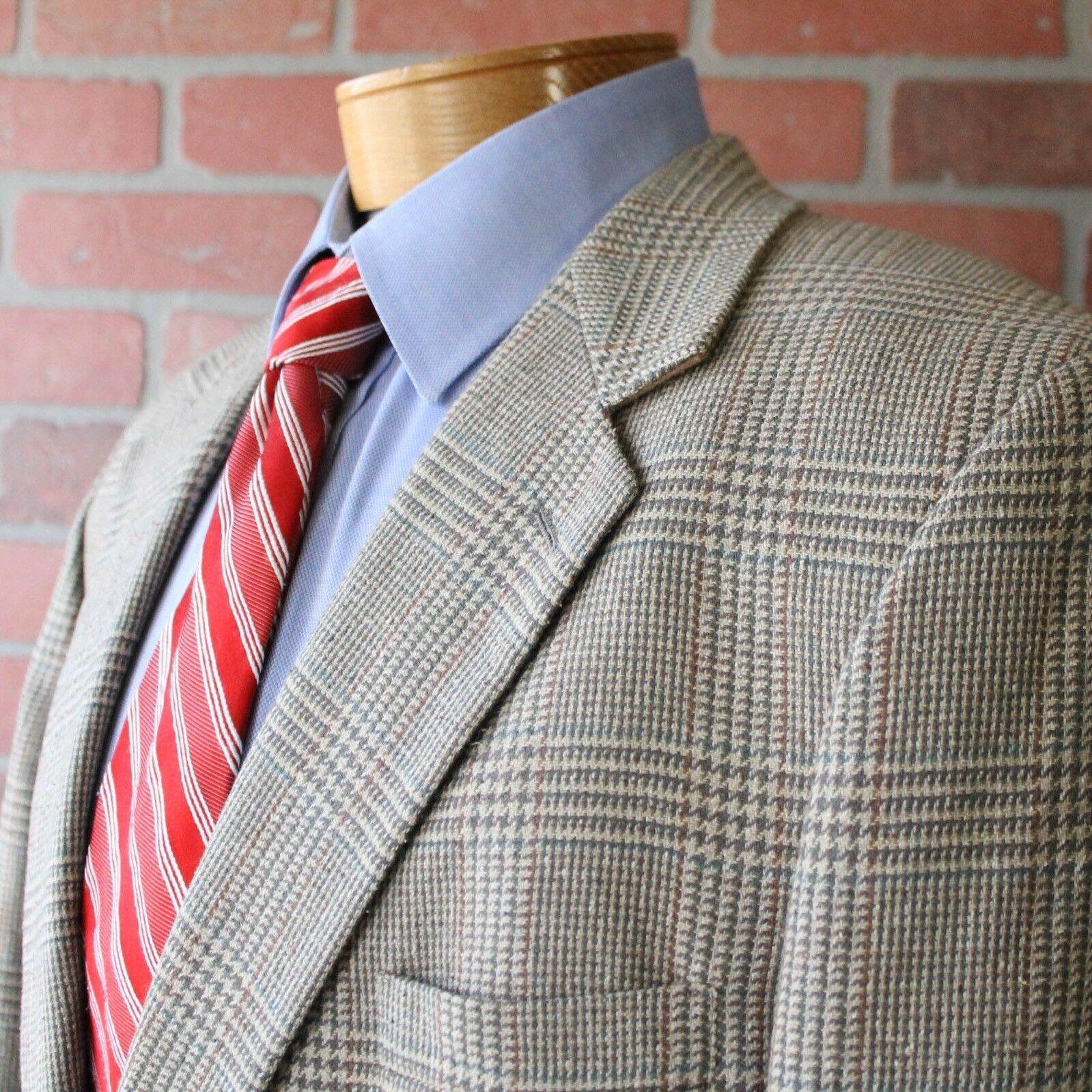 VINTAGE Brooks Bredhers Beige bluee Brown Plaid Sportcoat 100% Wool USA 46L