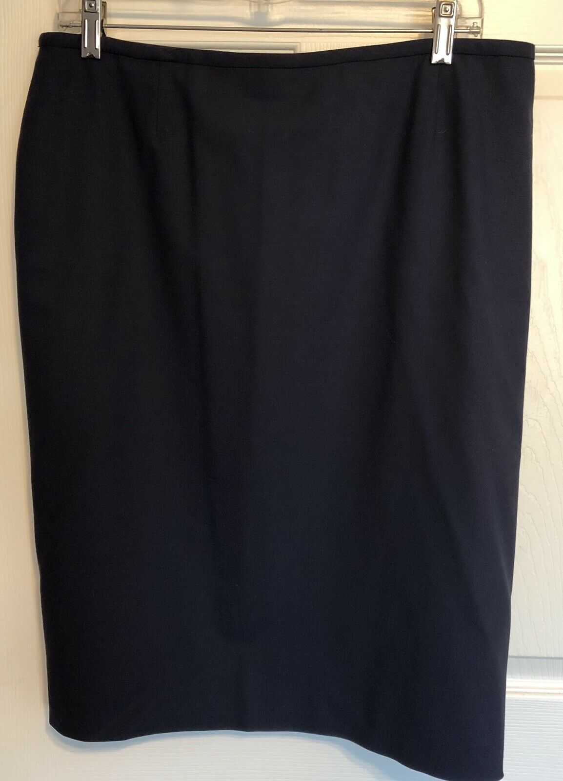 NWOT ARMANI COLLEZIONI Wool, Lined Skirt, Navy bluee, Size 12 NEW