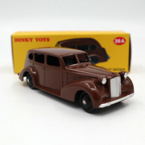 Atlas-Dinky-Toys-39A-Packard-Eight-Sedan-1-43-Diecast-DEAGOSTINI-Brown