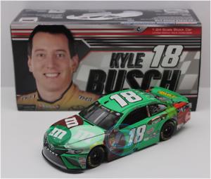 NASCAR 2018 KYLE BUSCH GREEN M&MS FAN FLAVOR VOTE WINNER 1 24 CAR