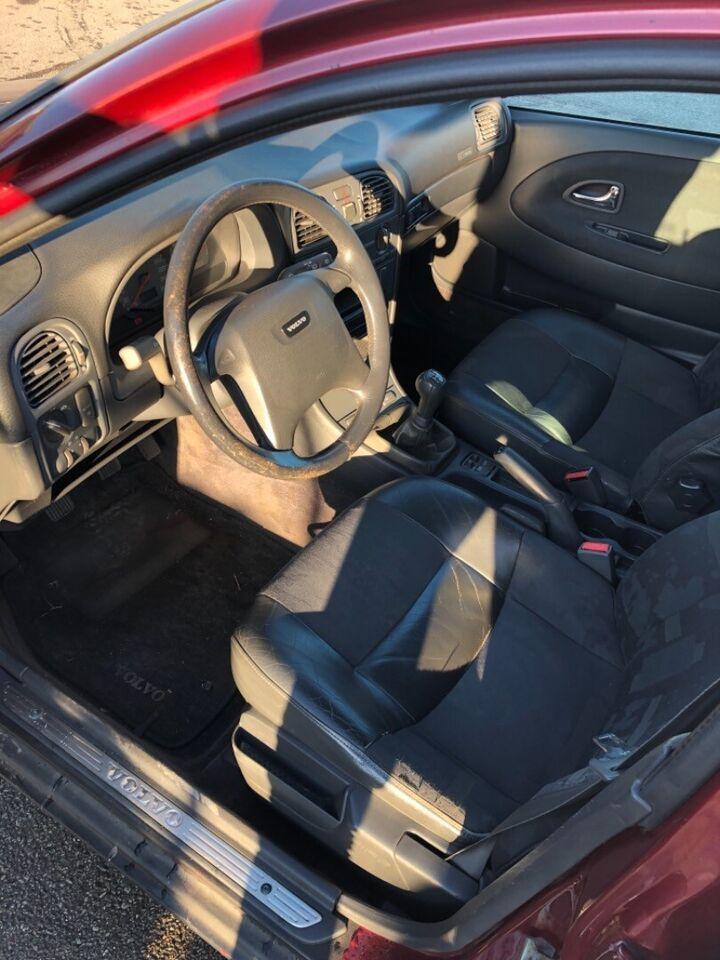 Volvo V40 2,0 T Benzin modelår 1998 km 276000 ABS airbag