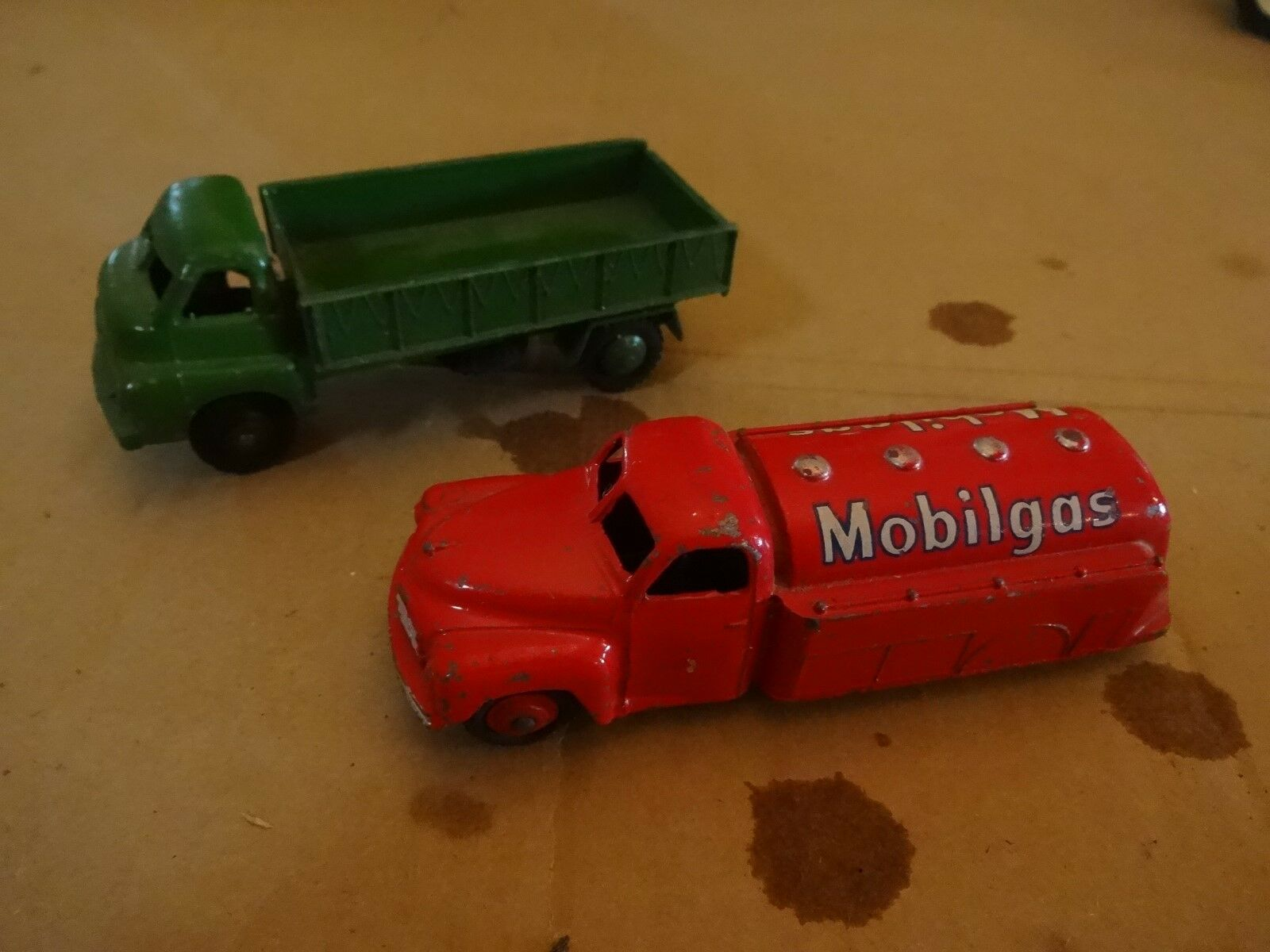 3 Dinky Toys from the the the Past Made in England 409f61
