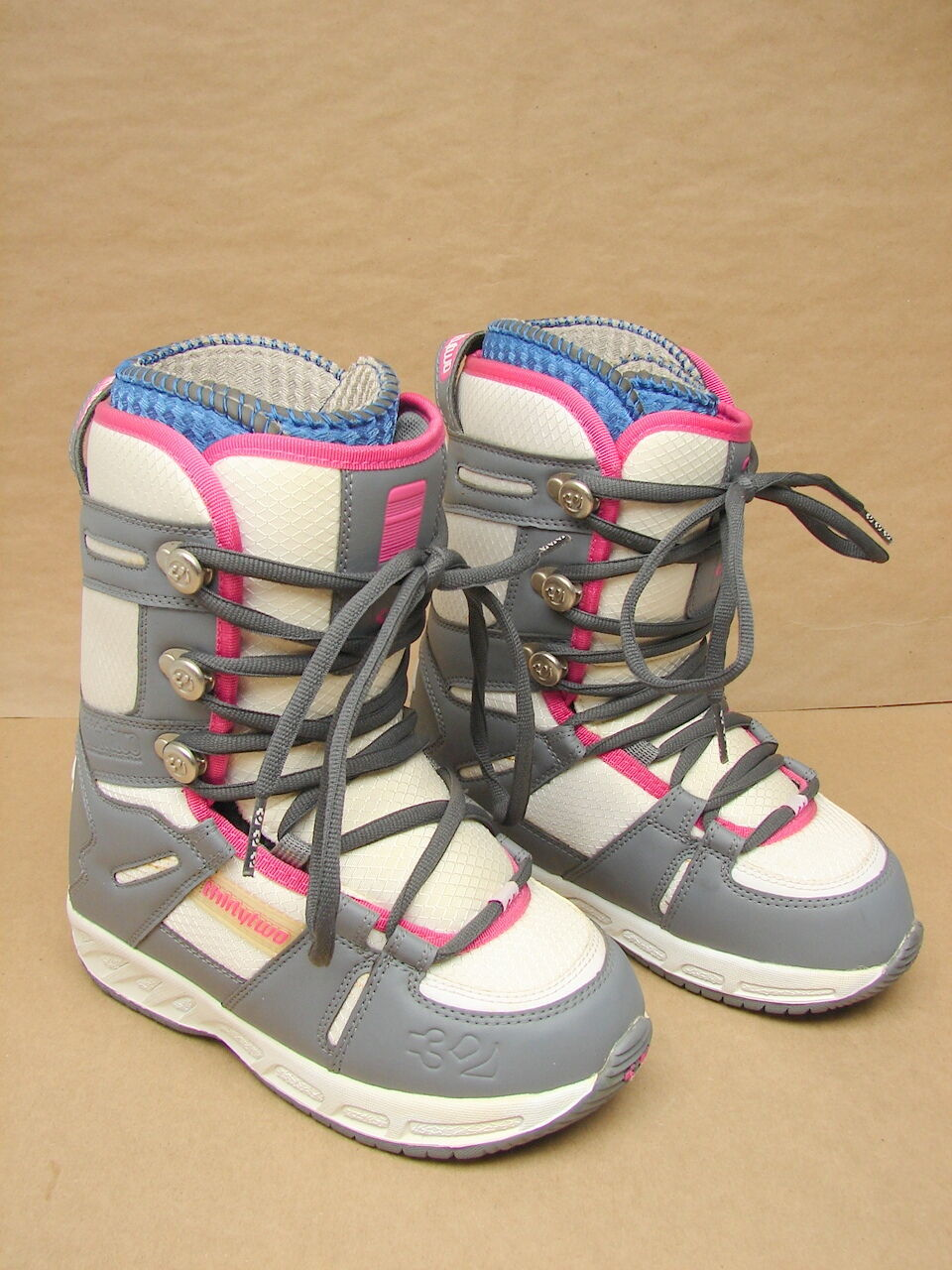 New NOS Thirty Two 32 Womens Prion Snowboard Boots US 5