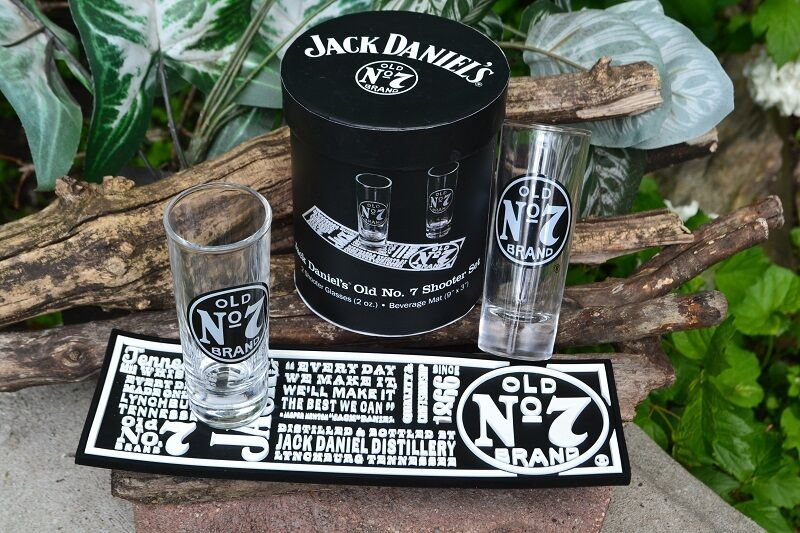 jack daniels old no 7 shooter bar mat set 2 shot glass. Black Bedroom Furniture Sets. Home Design Ideas