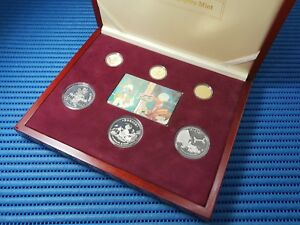 1996-Singapore-Mint-039-s-Disney-Character-Gold-and-Silver-Proof-Set