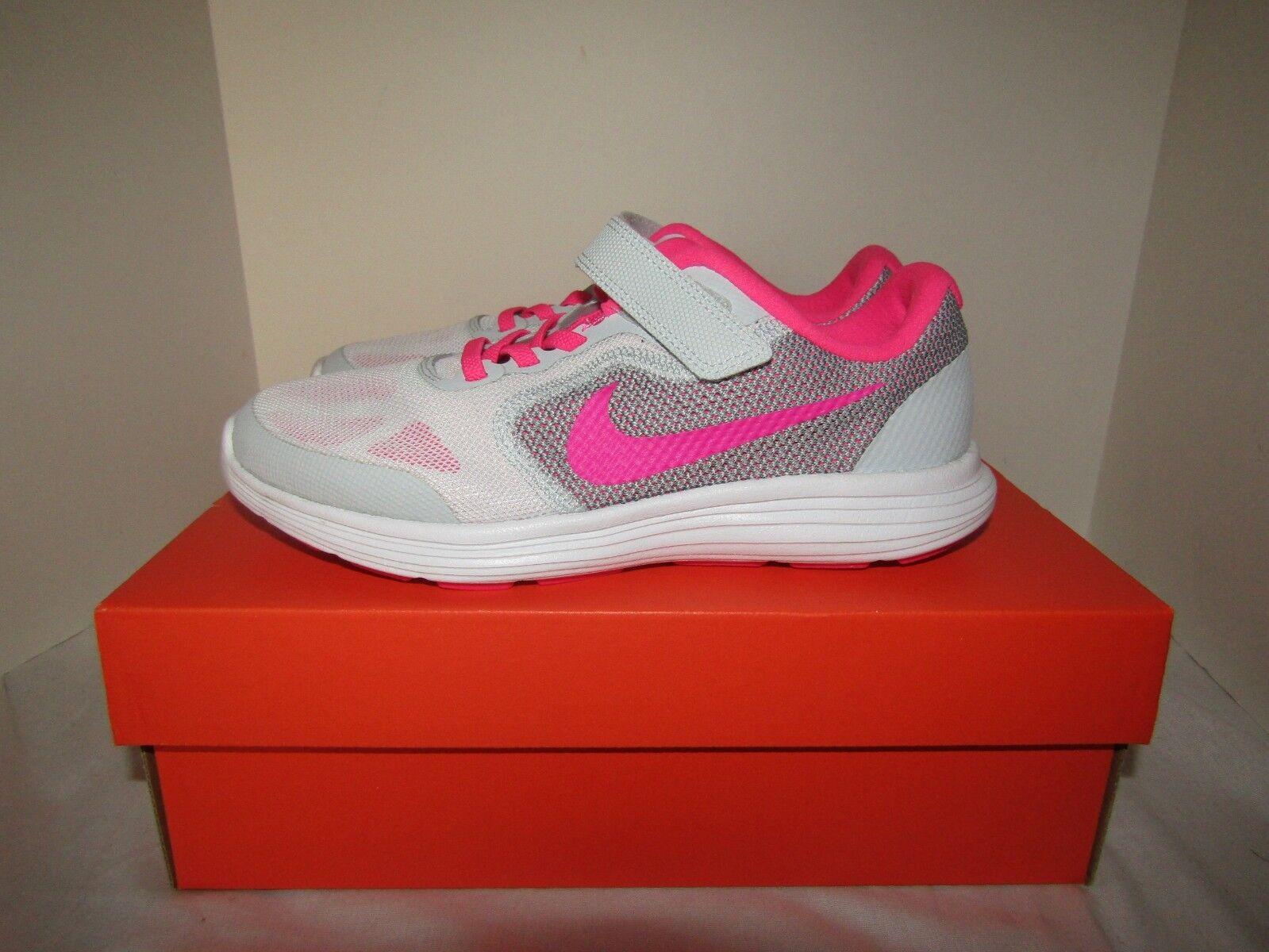 NIB Nike Revolution 3 (PSV) Girls