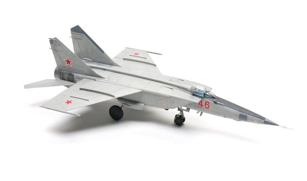 Egen inbyggda modelll MIG-25 Ryska flygagvapnet 1 48 (förhandsorder)