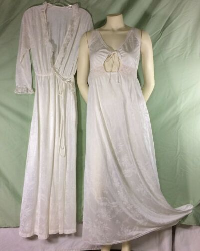 Miss Elaine Peignoir White Small Vintage