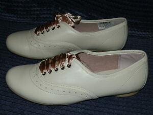 f13864dc4 Clarks No Riddles Neutral  Beige Leather Lace-up Brogues Older Girls ...