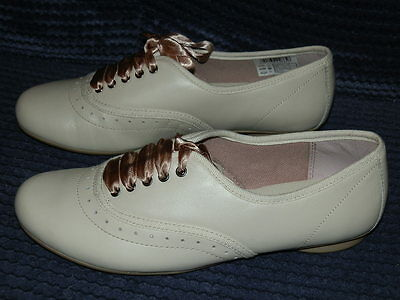 Clarks No Riddles Neutral /Beige Leather Lace-up Brogues Older Girls Shoes