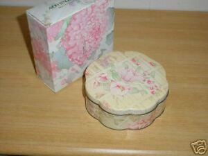 Avon Beauty Dust Container 1977 Tender Blossoms Ebay