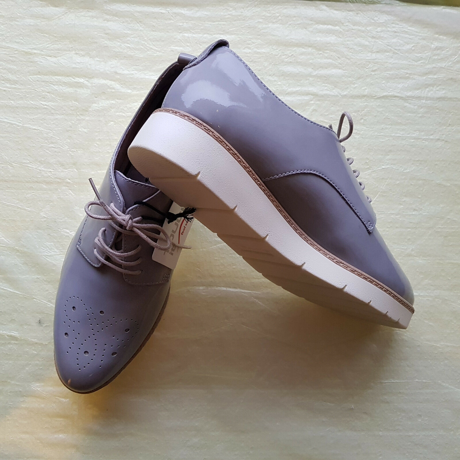 Tamaris feel Damenschuh, hellgrau,Lackleder,( Touch it, feel Tamaris soft ), Gr. 39 adf9cf