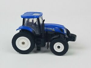 Ertl-1-64th-New-Holland-T7-270-tractor