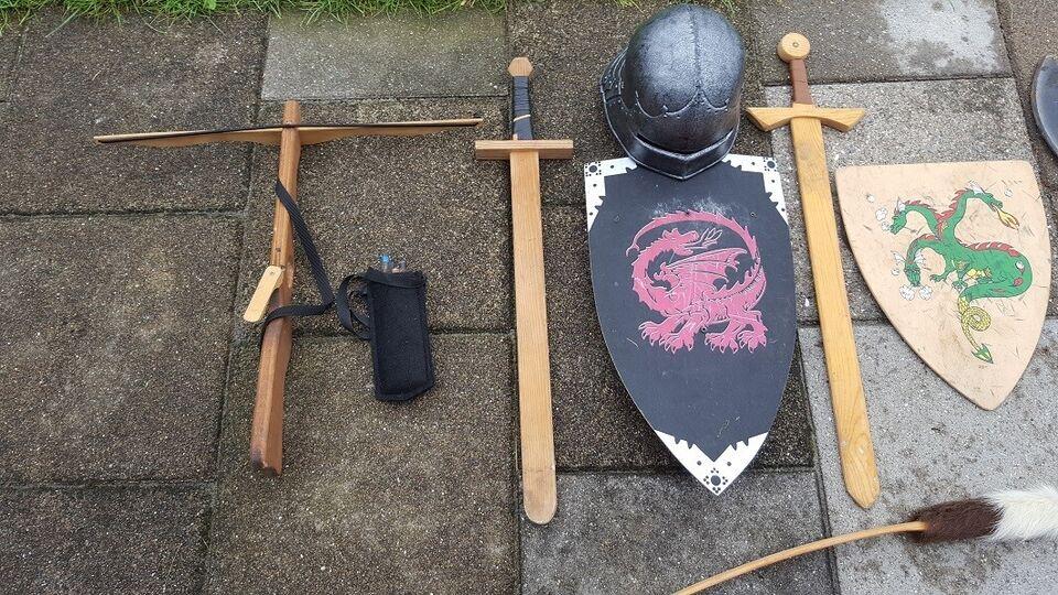 Ridderborg, middelalder våben