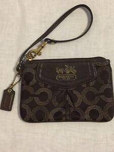 f41755c28d7c Authentic Coach Bag Small Wristlet Wallet Purse Zip Closure Leather ...