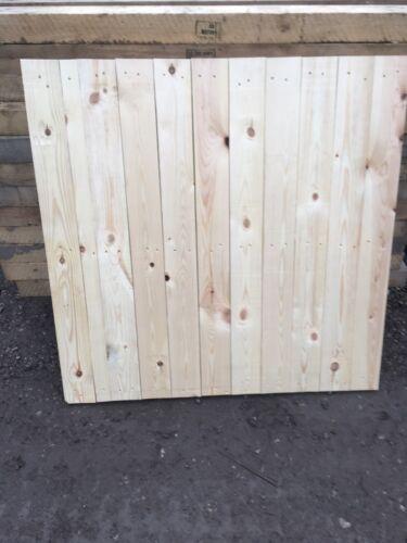 Pallet Tops// Fence Panels// planters