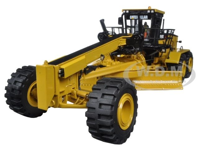 CAT CATERPILLAR 24M MOTOR GRADER WITH OPERATOR 1 50 BY DIECAST MASTERS 85264 C