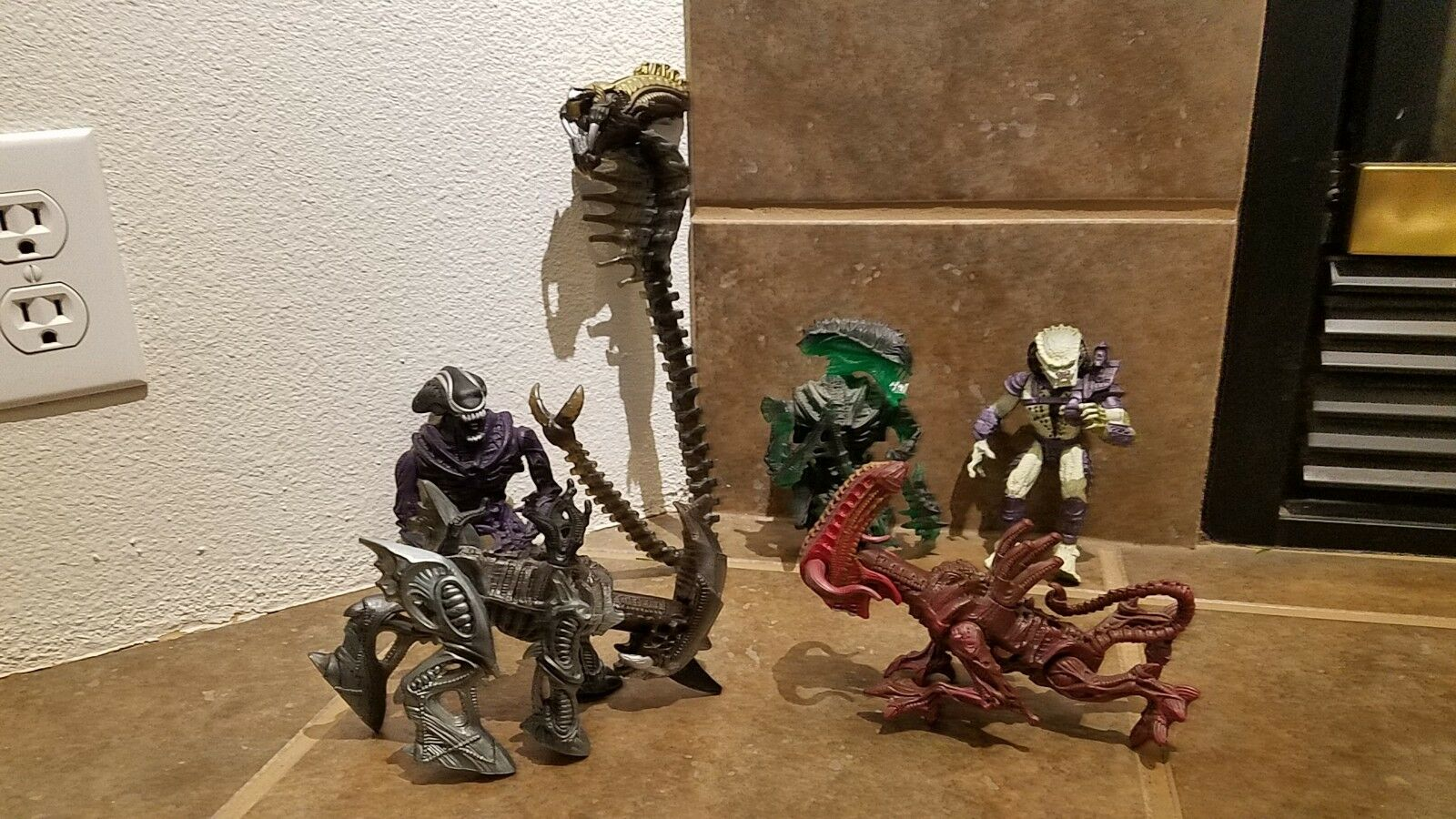 Mixed lot of 7 Vintage 90s 92 - 93 Alien Predator Action Figures Kenner REVISED