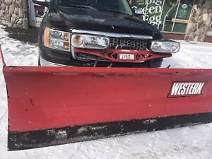 2010 GMC Sierra ext cab 5.3L with 7' western plow
