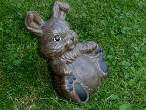 Steinfigur Hase braun sitzend Garten Deko