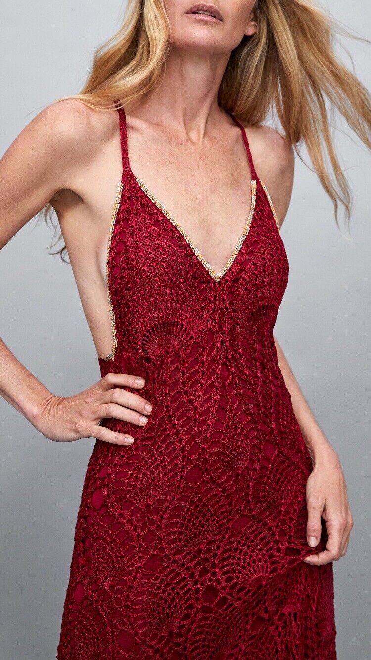 BNWT ZARA édition limitée Rouge Cerise Crochet Robe Taille M