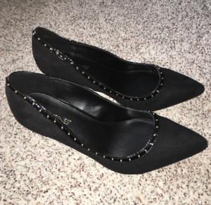 Catherines-Shoes-Black-Circle-Stud-Heel-Pumps-Womens-Plus-8-9-10-11-Wide-NIB