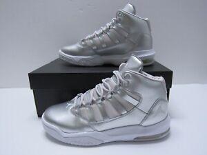 Jordan Max Aura SE GS Silver Metallic