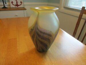 ROBERT EICKHOLT IRIDESCENT ART GLASS  VASE- SIGNED / DATED 2004-Mint. Stunning.