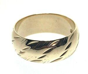 Vintage-9-Carat-Yellow-Gold-Twist-Pattern-Wedding-Band-Ring-size-M-3-91g-1968