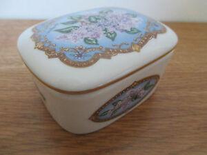 Heritage house porcelain music box feelings 1990 love for House music 1990 hits