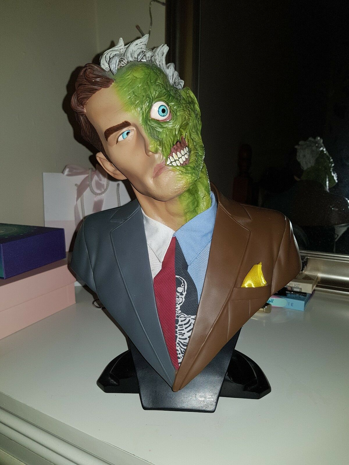 DC direct figure, Two face 1 2 scale bust. Limited edition