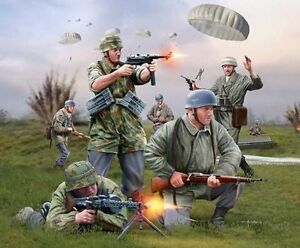 Revell-1-72nd-Scale-Plastic-WWII-German-Paratroopers-Plastic-Soldiers-2532-NEW